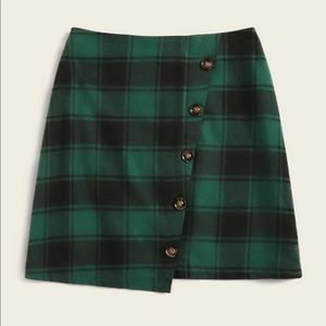 NWOT Flannel Green and Black Plaid Skirt